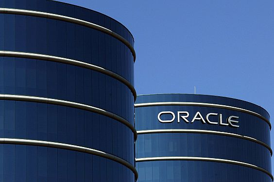 Oracle ponders massive acquisition of Accenture