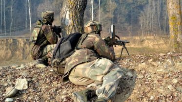 Kashmir Encounter starts at Tral, Para commandos called to flush out terrorists