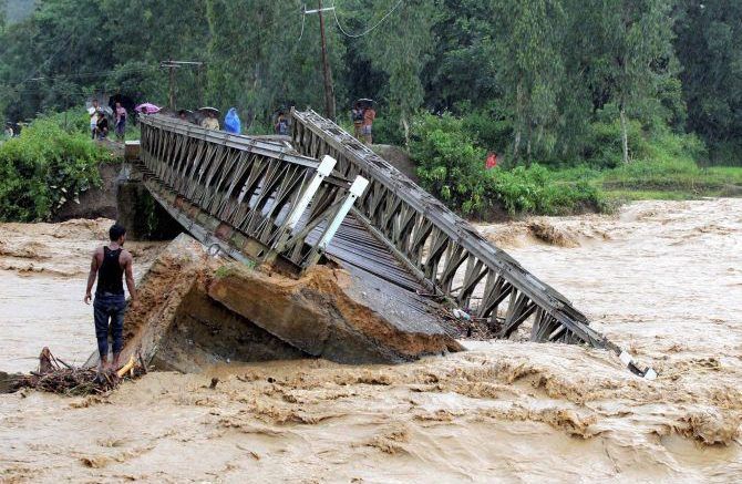 Flood situation improves in north Bengal, death toll at 7