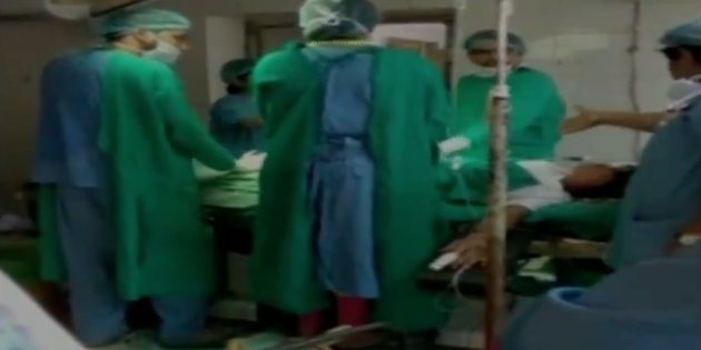 Rajasthan doctors fight as woman lies on operation table, baby dies,Caught on camera