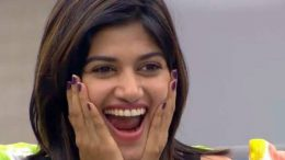 Bigg Boss Tamil: 'Distressed' Oviya jumps into swimming pool to quit the show