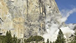 Rock fall strikes Yosemite National Park for a second day