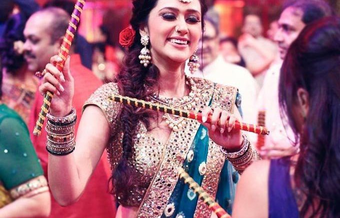 Look your best during Dandiya nights with perfect make-up