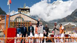 PM Modi pledges to devote himself for a 'developed India' by 2022,In Kedarnath