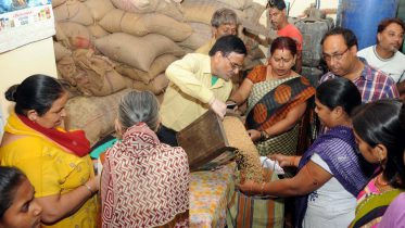 Jharkhand Minister: Aadhar card not mandatory to get ration
